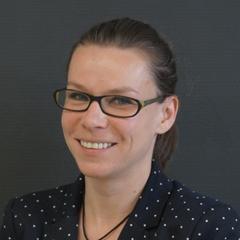 Dr Annamária Elek